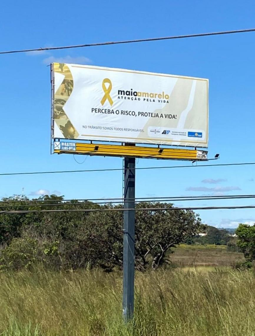 """""""Perceba o risco, proteja a vida"""": DER reforça campanha Maio Amarelo em vários pontos do DF"""