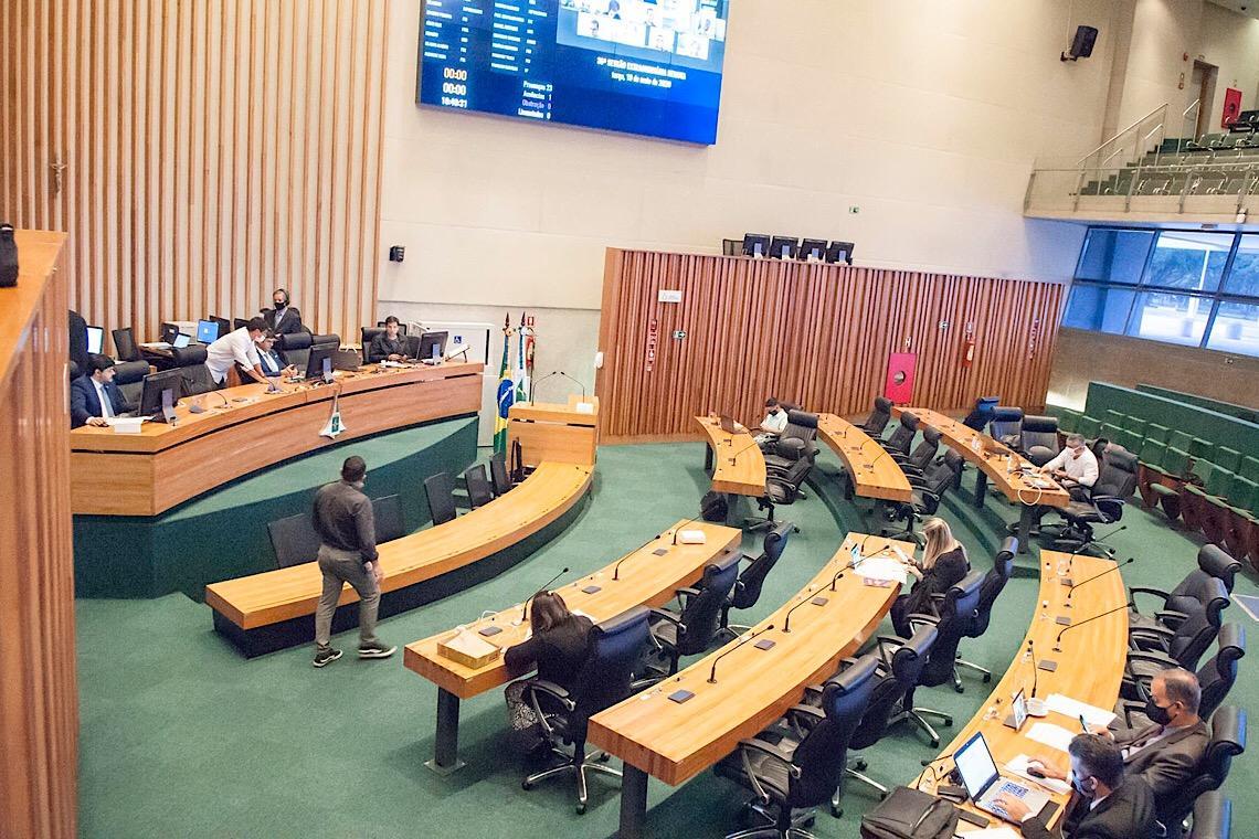 CLDF derruba veto do GDF e garante gratuidade no transporte para profissionais da Saúde