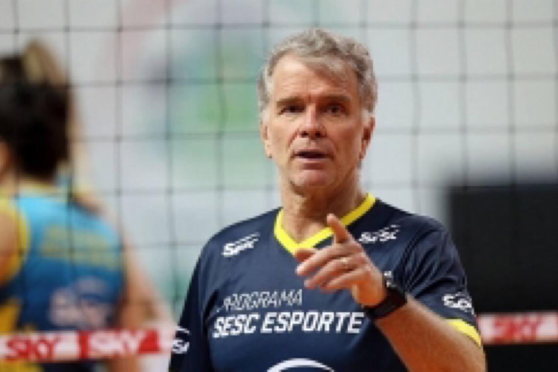 Bernardinho abre mão de salário para manter time do Sesc RJ: 'Não tem orçamento'