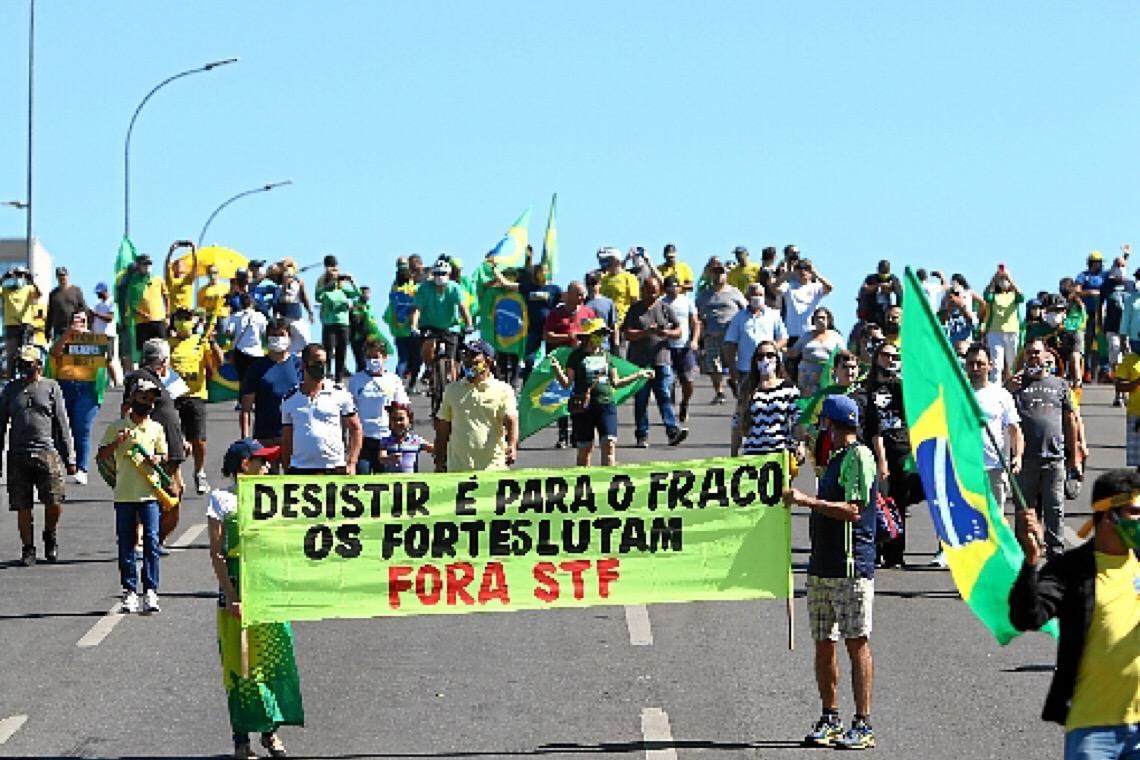 Bolsonaro aposta na crise e afronta outra vez o Supremo