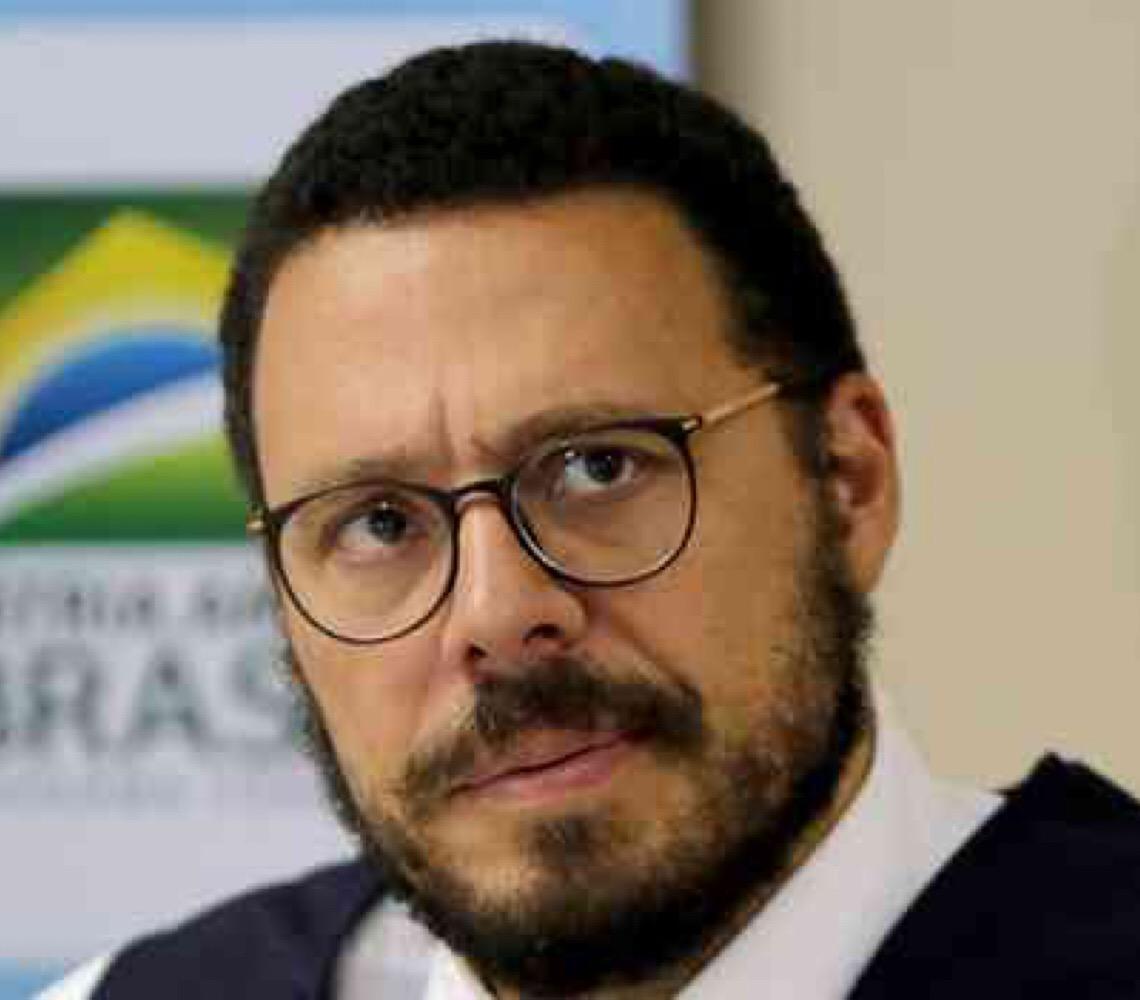 Covid-19: ''O que vai acontecer é um massacre'', diz ex-diretor do Ministério da Saúde