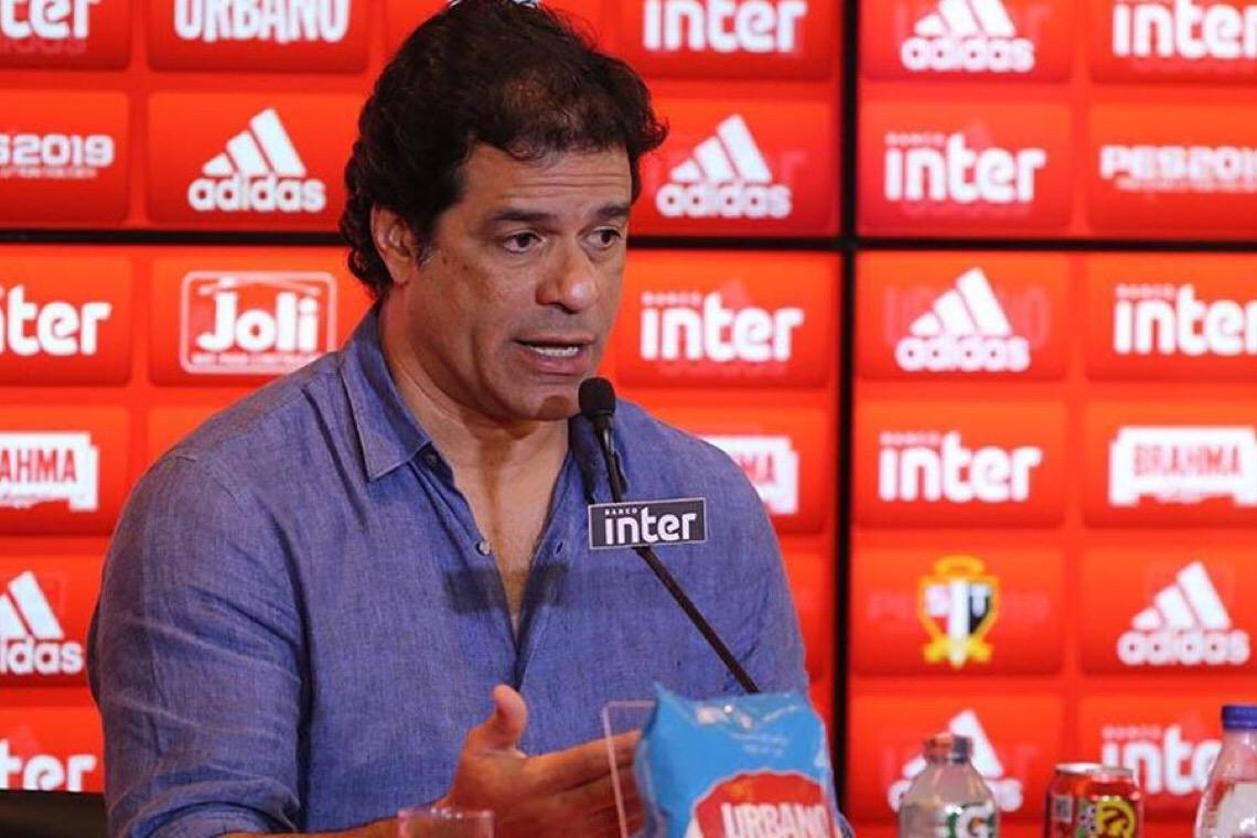 Raí volta a criticar Bolsonaro e contraria propostas de retorno do futebol brasileiro