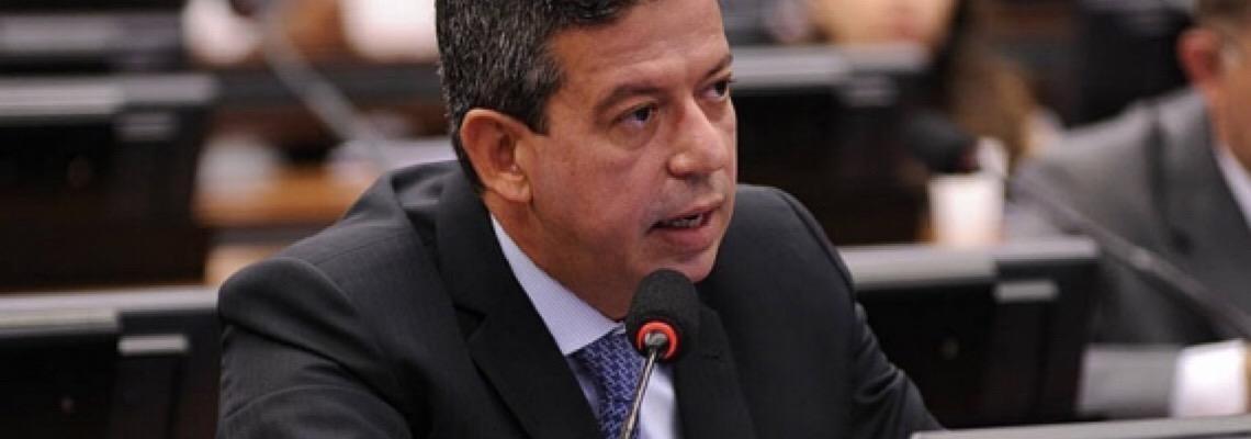 Centrão apoia Super Refis que permite parcelar dívidas com desconto de até 90%