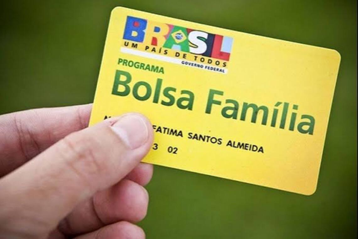 Governo federal transfere R$ 83,9 milhões do Bolsa Família para investir em propaganda