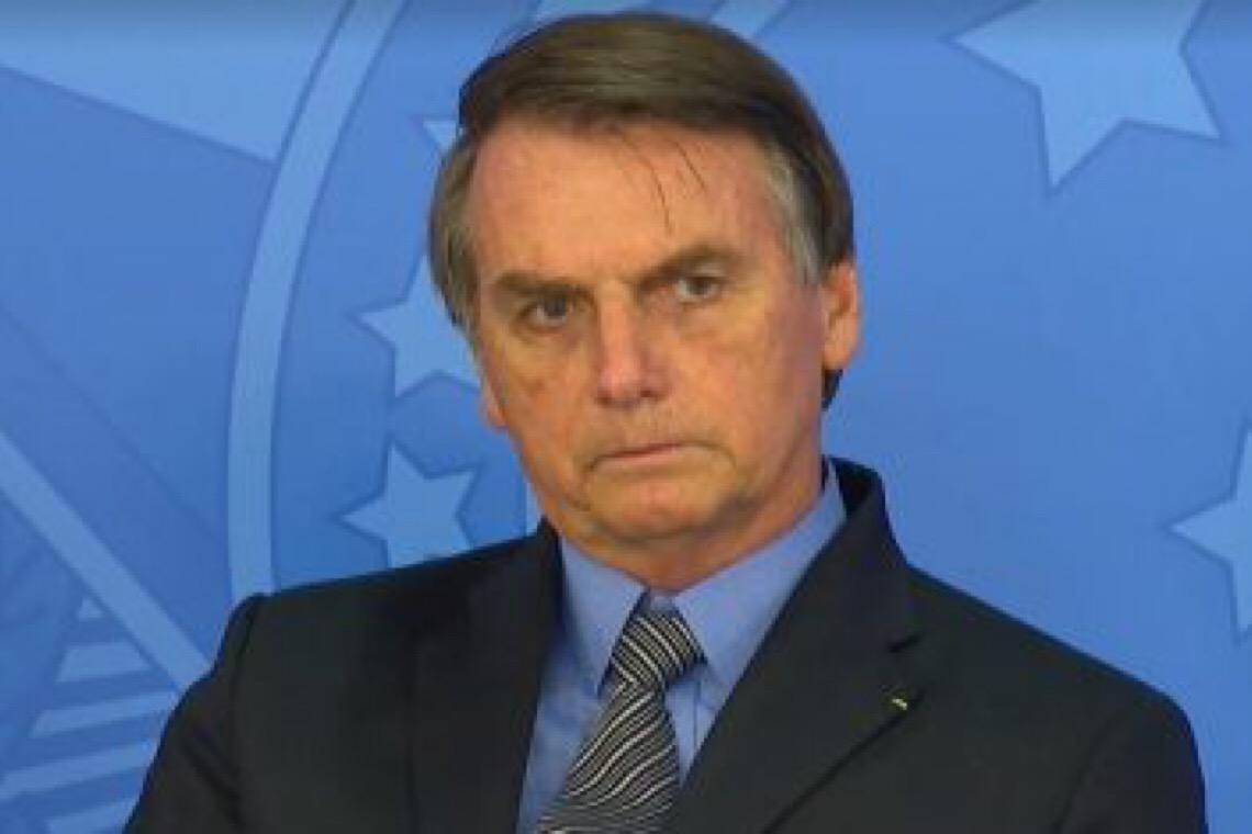 Ala militar tenta fazer Jair Bolsonaro esquecer o golpe e voltar a governar o país