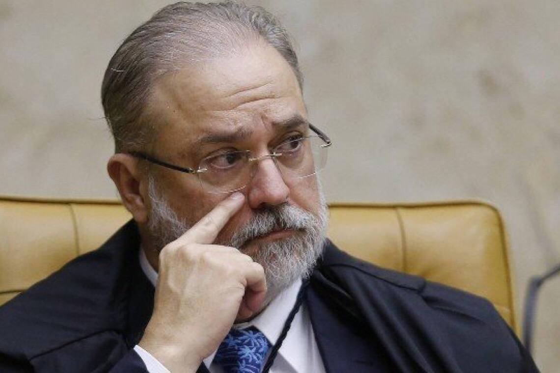 Grupo da Lava-Jato na PGR pede demissão coletiva por discordância com gestão Aras