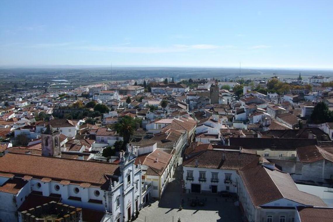 Governo de Portugal prepara resposta piloto para acolhimento de mulheres idosas vítimas de violência doméstica