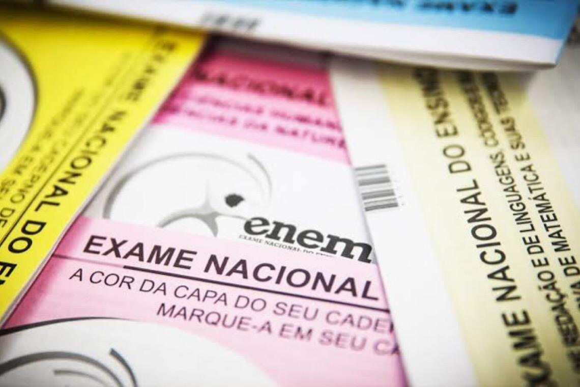 Sem data por causa de pandemia, Enem tem contrato travado por briga judicial