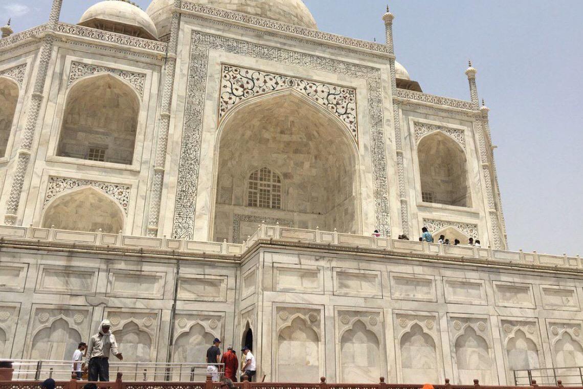 Índia desiste de reabertura do Taj Mahal citando riscos de covid-19