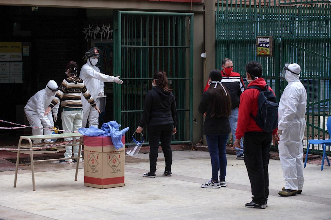 Argentina bate recorde diário de mortos por Covid-19