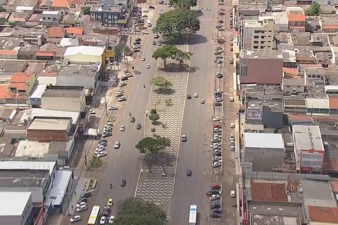 Ibaneis decreta fechamento de comércio não essencial em Ceilândia, Sol Nascente e Pôr do Sol; salões e academias fecham em todo DF