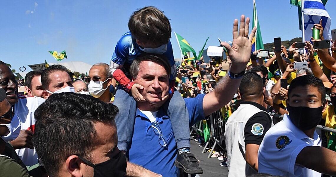 Da negação à contaminação: O trajeto de Jair Bolsonaro até o encontro com o vírus