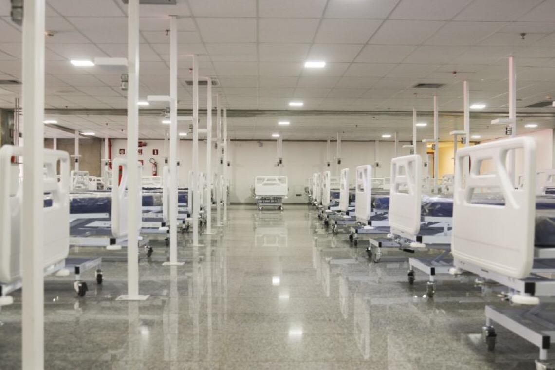 Auditoria vê falhas em dispensa de licitação e respiradores inadequados em hospital de campanha de Brasília