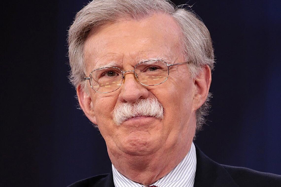 John Bolton diz que Jair Bolsonaro precisa abrir canais com Joe Biden