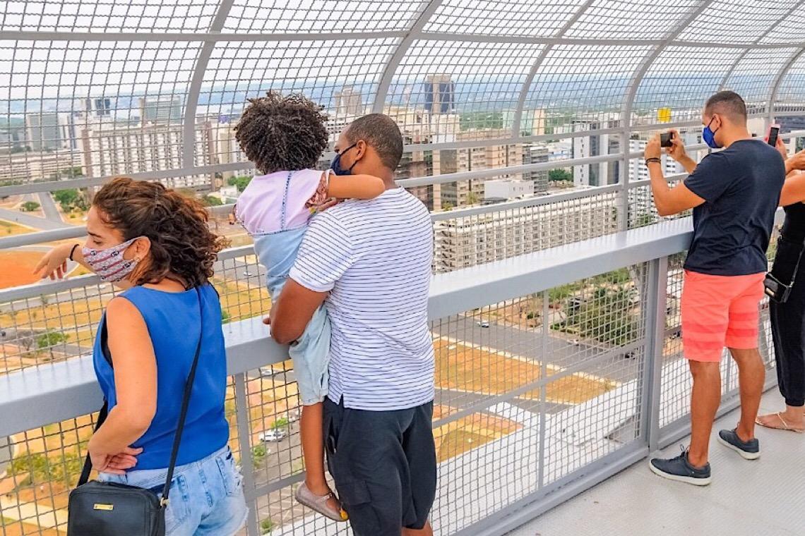 A volta de um cartão-postal: Mirante da Torre de TV retoma seu lugar no imaginário de Brasília
