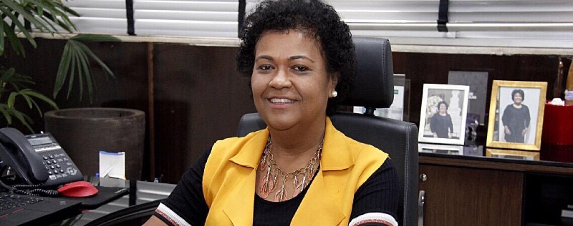 Secretária de Saúde chora ao relatar racismo a vereadores em MT: