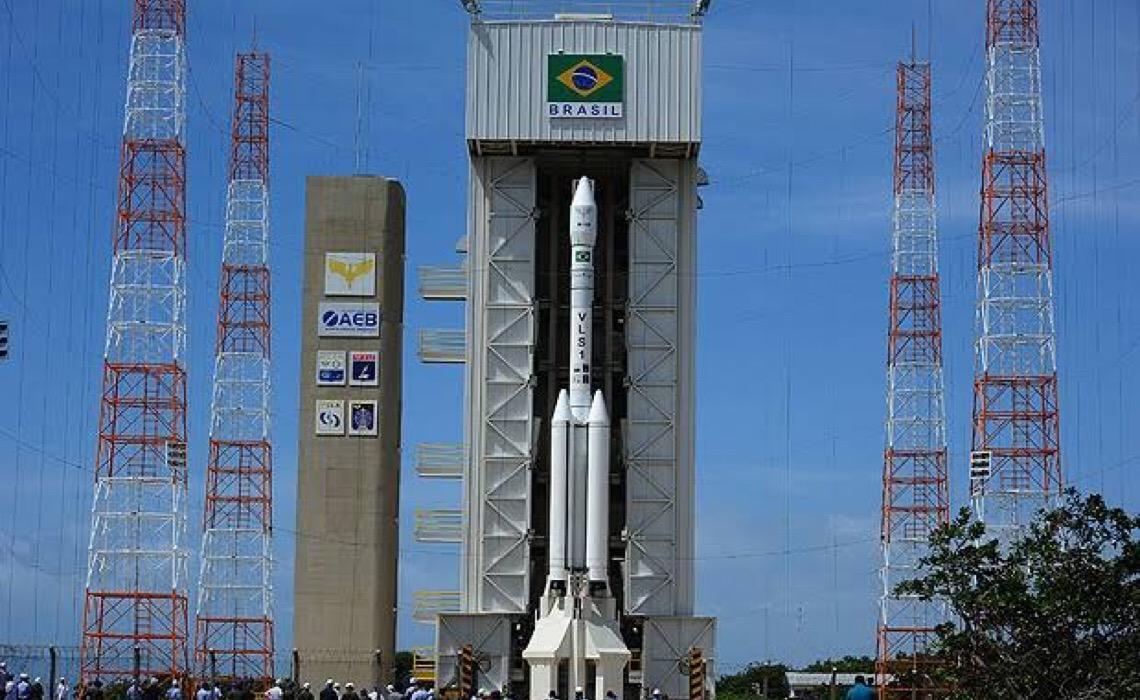 Governo brasileiro cria programa de construção de satélites para monitorar clima