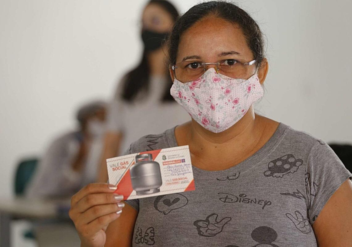 PL torna distribuição de botijão de gás uma política pública permanente no Ceará
