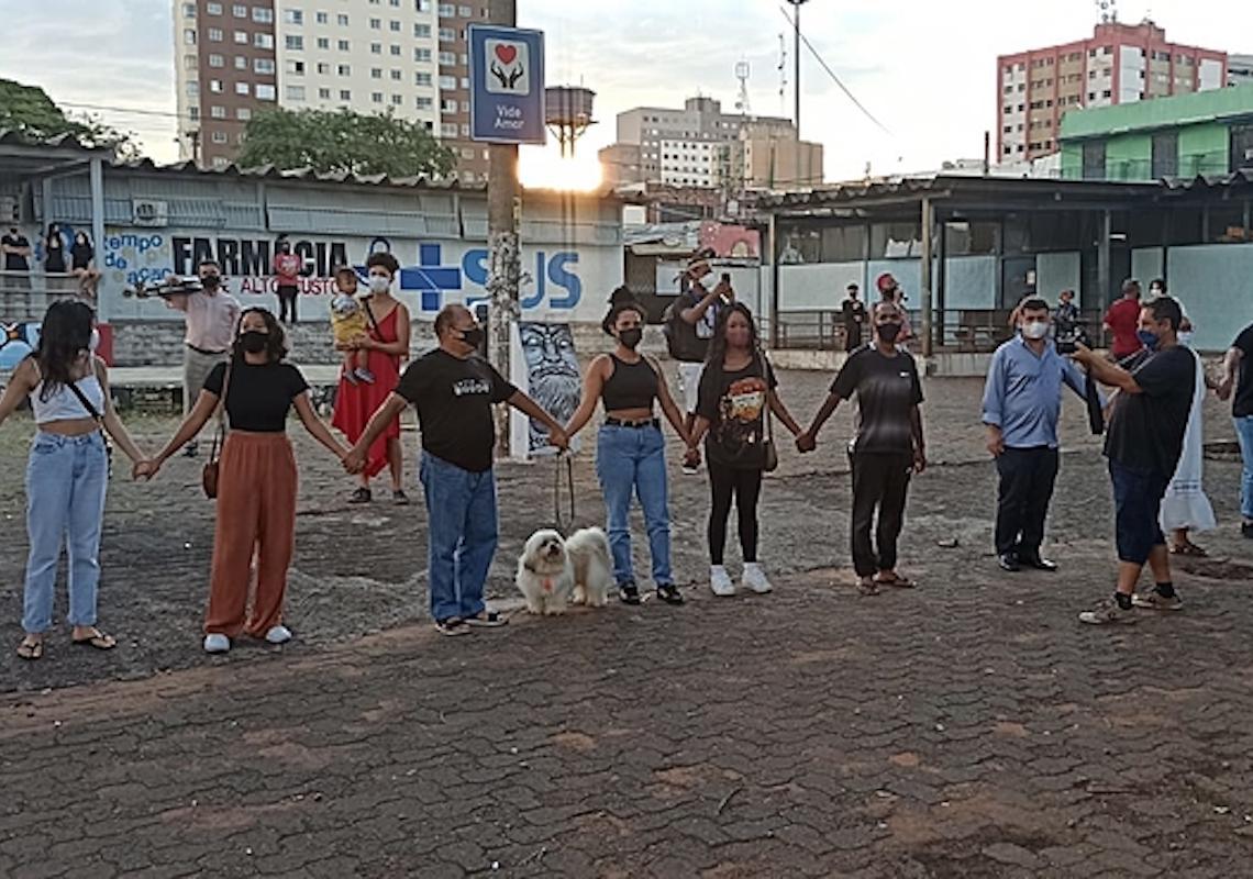 Movimentos se reúnem em ato para defender permanência do projeto Jovem de Expressão