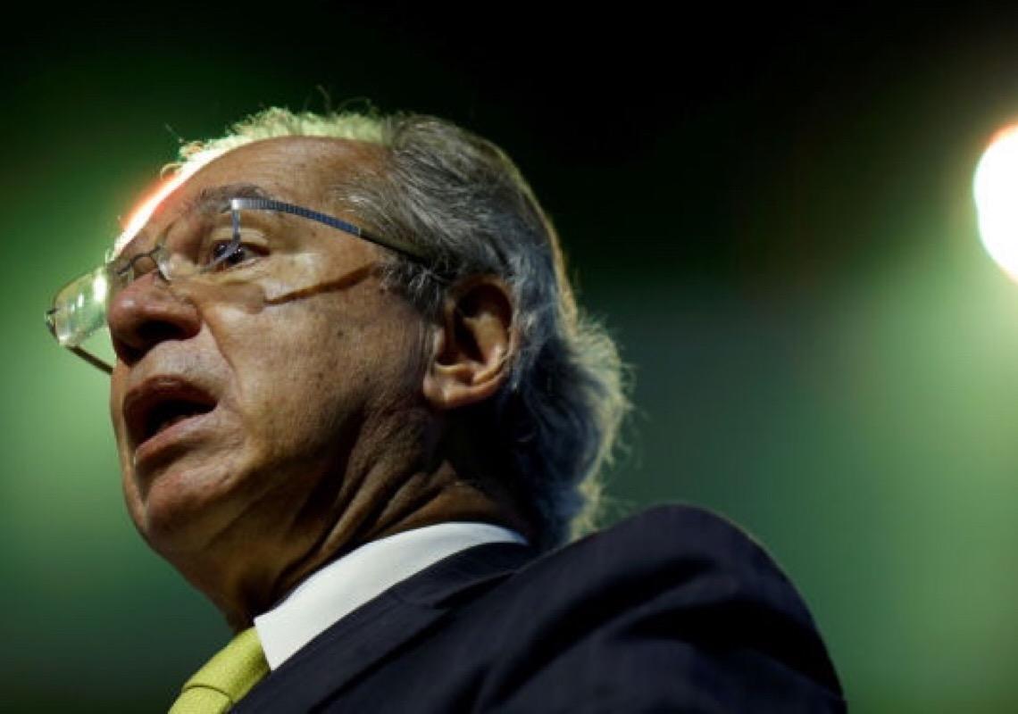 Por que com reformas falhas e promessas não cumpridas Paulo Guedes continua no governo?
