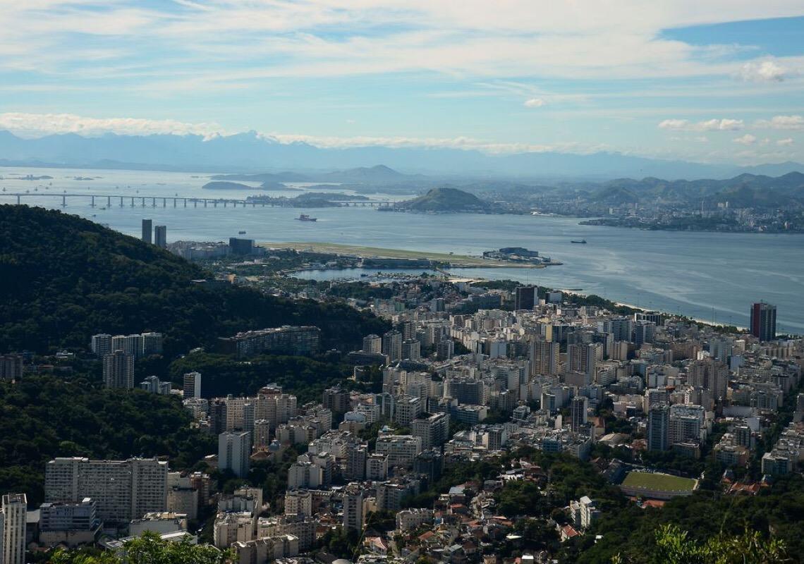 Rio de Janeiro assina declaração para reduzir investimento em combustível fóssil